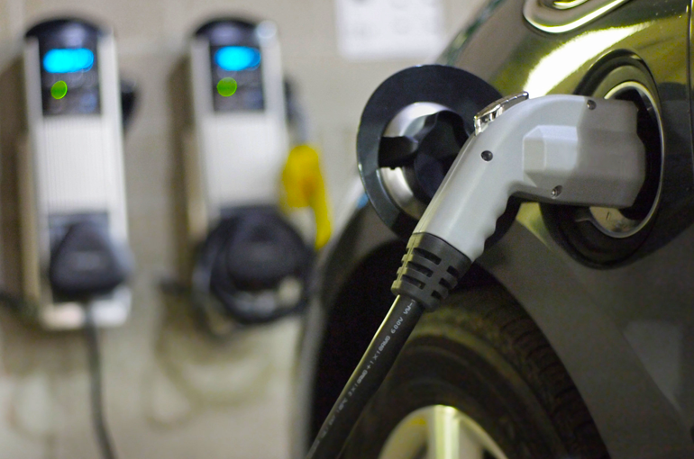 The electric vehicle already has the support of the public. What about the market?